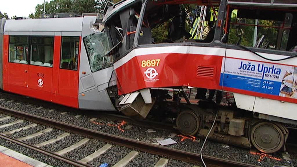 Srážka tramvají v Praze