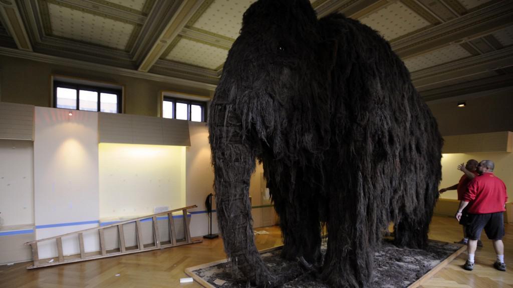 Stěhování mamuta z Národního muzea