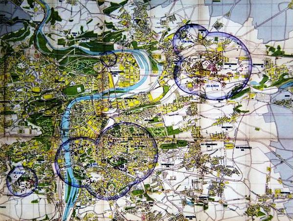 Mapa Prahy s oblastmi kam padaly bomby