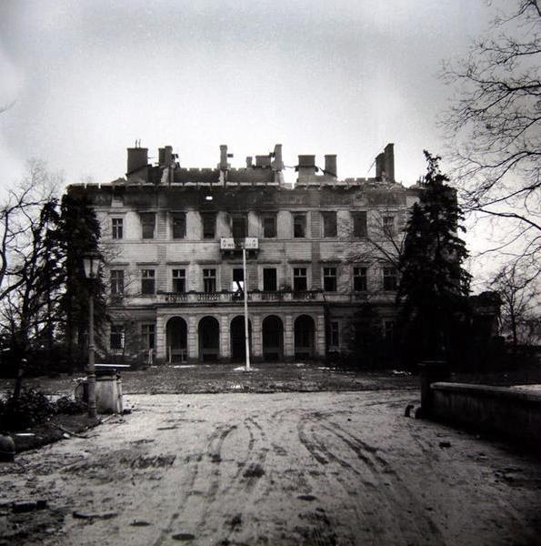 Zasažena byla i Gröbeho vila na Vinohradech
