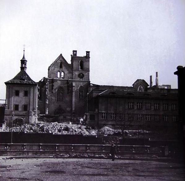 Zničený areál opatství Na Slovanech