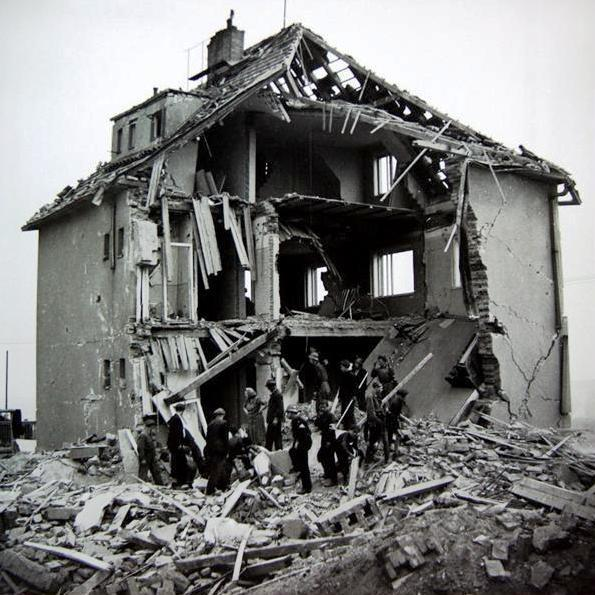 Druhý nálet v březnu 45, pomezí Libně a Vysočan