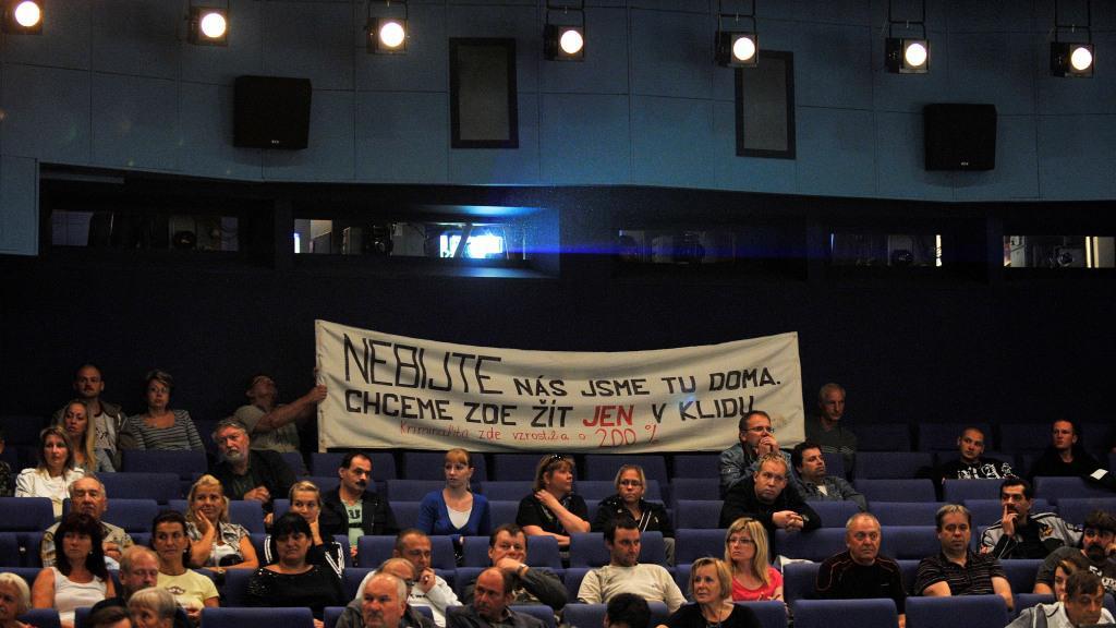 Beseda v kinosále ve Varnsdorfu