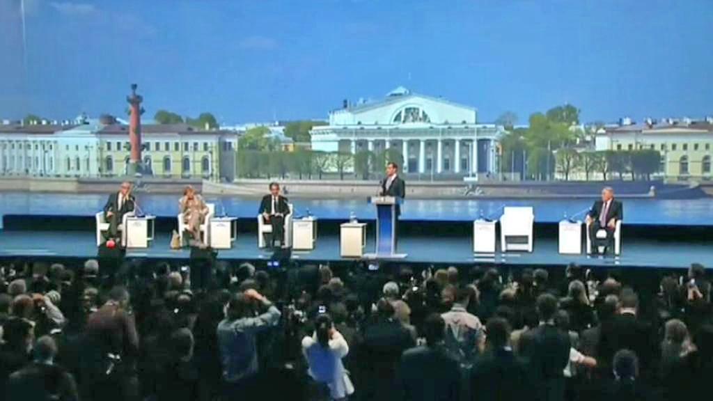 Dmitrij Medvěděv představuje plán rozšíření Moskvy