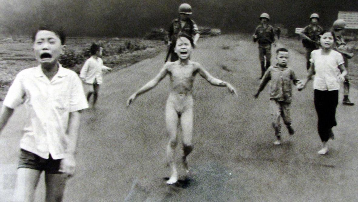 Nick Ut  / Dívka z Trang Bang (Vietnam 1972)