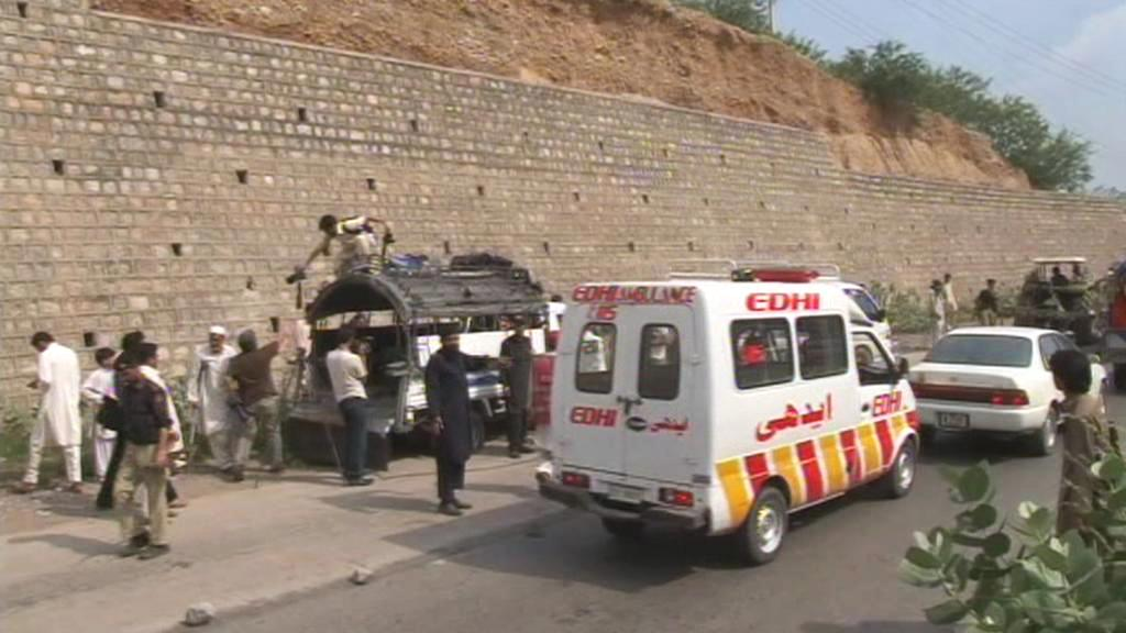 Útok na pákistánský školní autobus