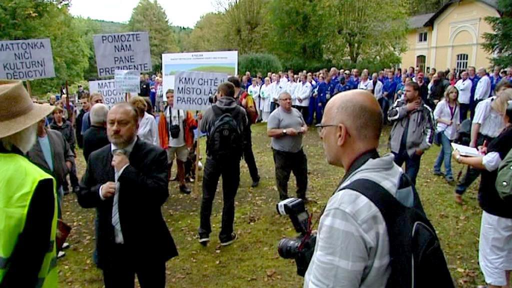 Demonstrace při návštěvě prezidenta Klause v Kyselce