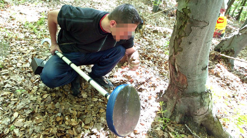 Hledač pokladů hledá vojenskou munici z 2. světové války v okolí Banské Bystrice