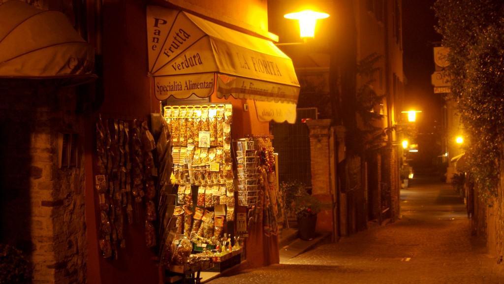 Typická ulička v Sirmione