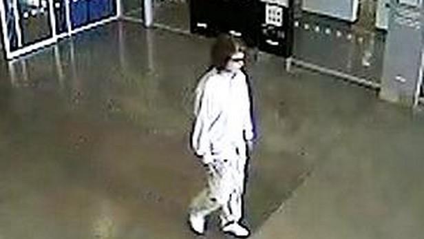 Muž podezřelý z útoků v obchodních domech IKEA