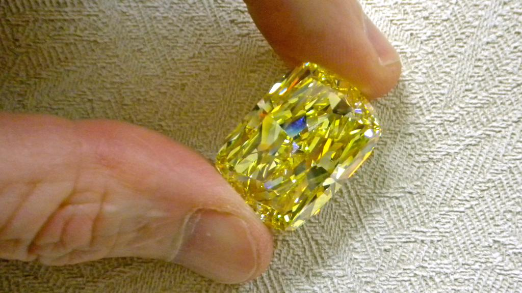 Diamant Zlaté oko