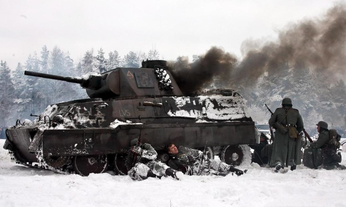 Z rekonstrukce bitvy u Leningradu