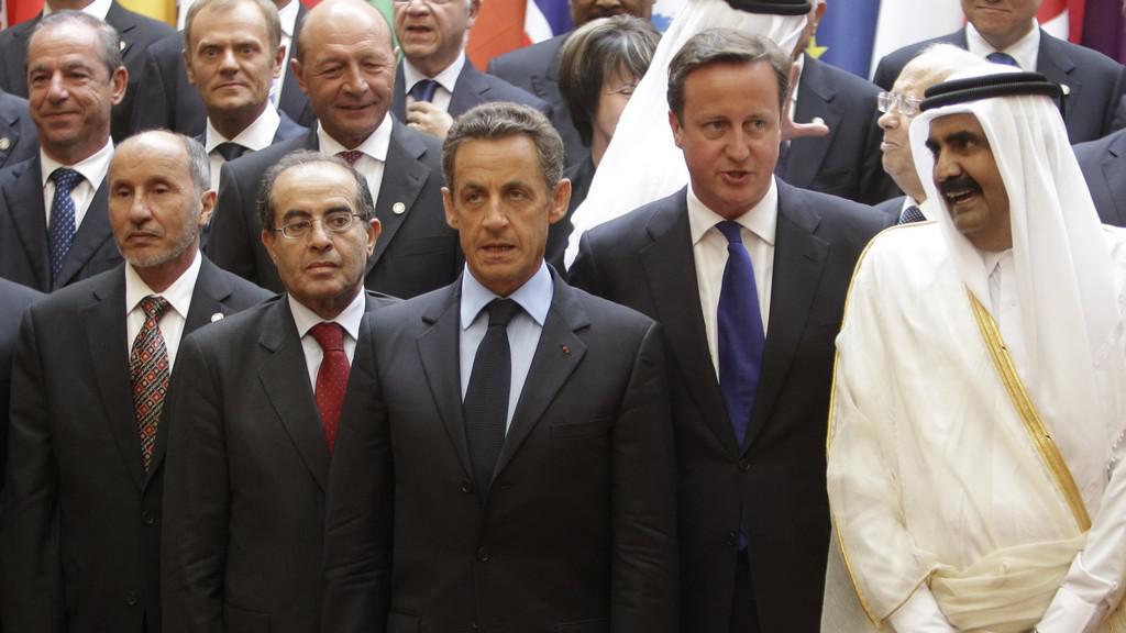 Účastníci pařížské konference k Libyi