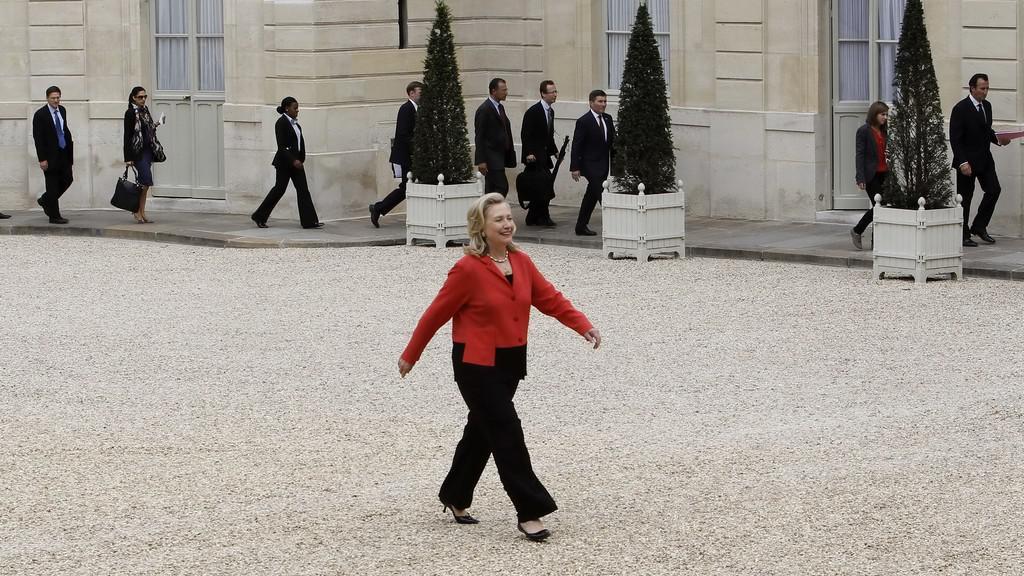 Hillary Clintonová míří na konferenci o Libyi