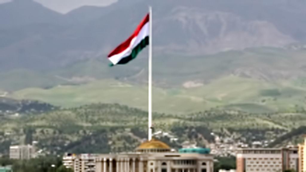 V Tádžikistánu mají nejvyšší stožár se státní vlajkou