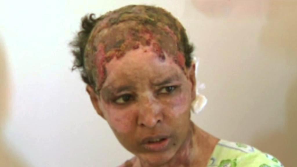 Chůva Kaddáfího vnuka a vnučky, kterou mučila jejich matka
