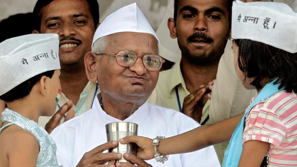 Anna Hazare po ukončení hladovky