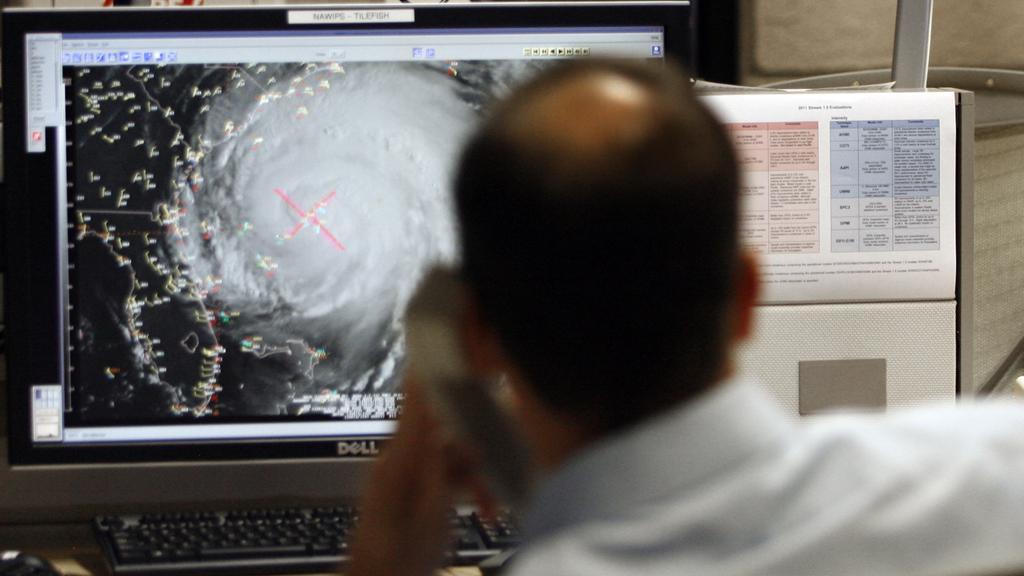 Hurikán Irene se blíží k pobřeží USA