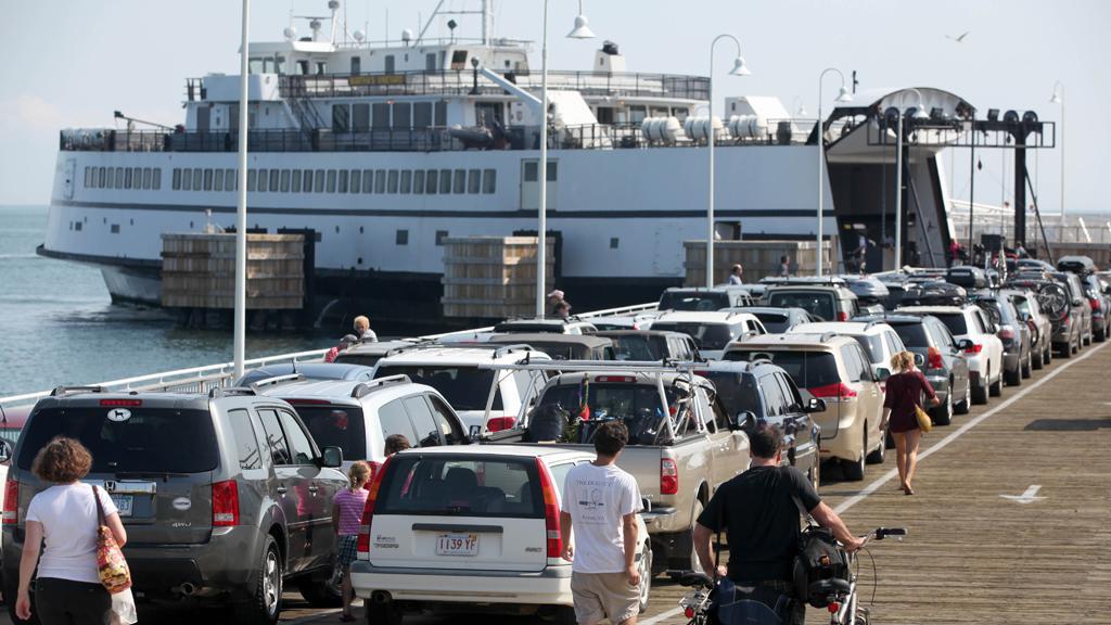 Američané prchají před hurikánem Irene