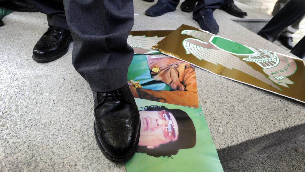 Pošlapání Kaddáfího