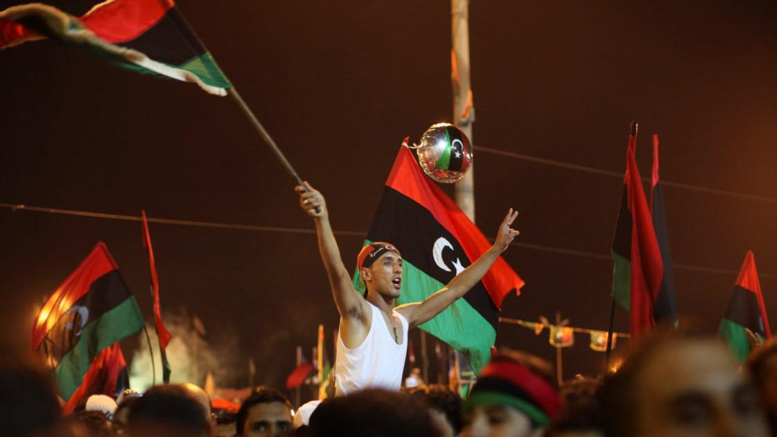 Libyjci oslavují útok povstalců na Tripolis