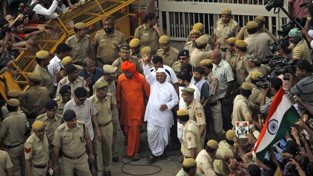 Anna Hazare opuští vězení