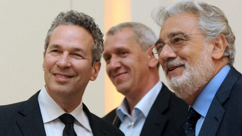 Plácido Domingo (vpravo)