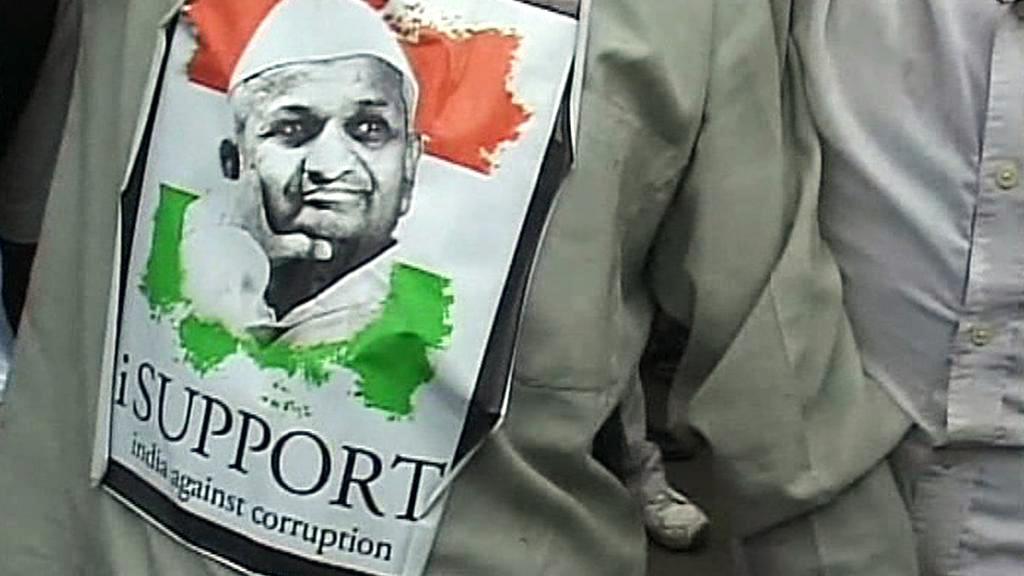 Demonstrace na podporu indického aktivisty Hazareho