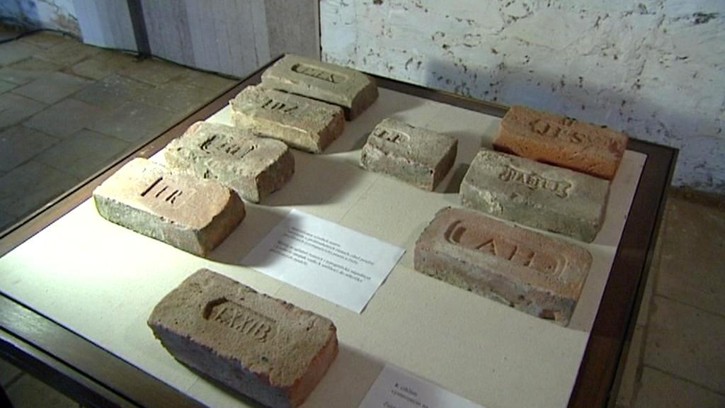 Výstava cihel v Chříči