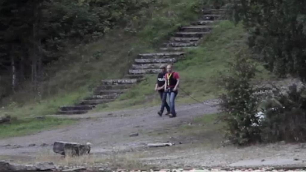 Breivik při policejní rekonstrukci jeho činu