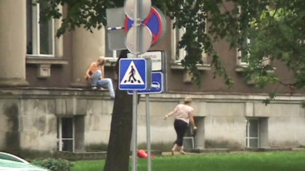 Úředníci prchající z estonského ministerstva obrany