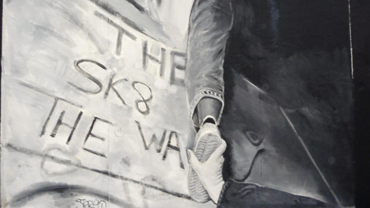 Pád Berlínské zdi zachycený na East Side Gallery