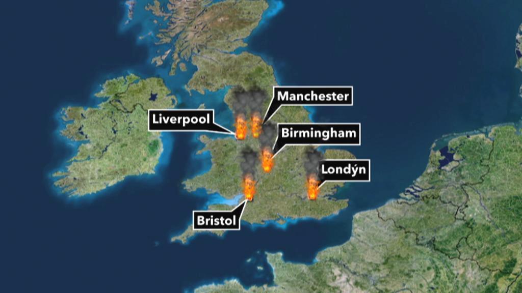 Nepokoje se z Londýna přesunuly do dalších britských měst