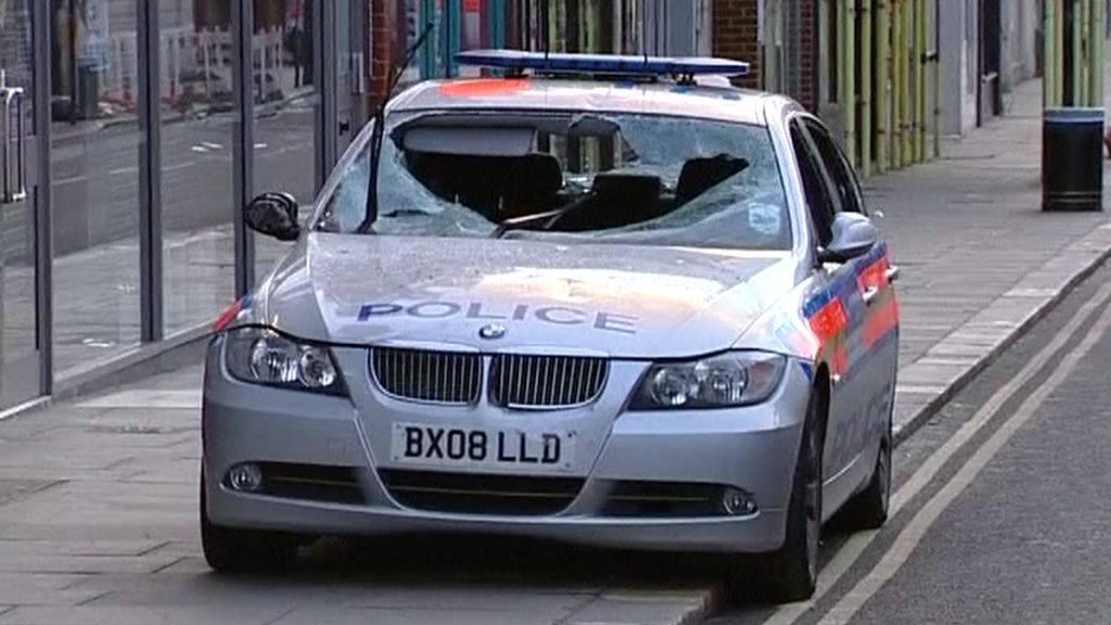 Rozbité policejní auto