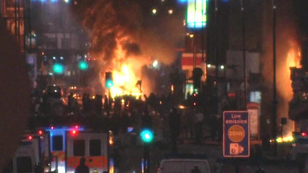 Nepokoje na ulicích Londýna