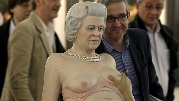 Socha královny Alžběty II
