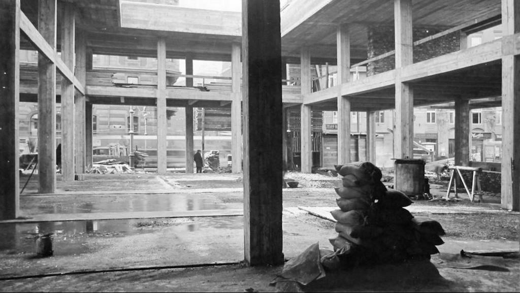Stavba Mánesu (1929-30)