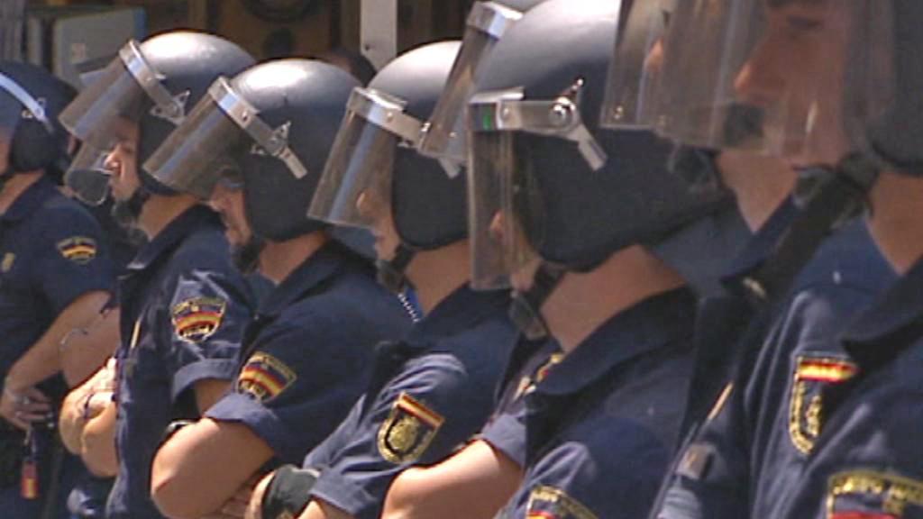 Španělská policie na náměstí Puerta del Sol