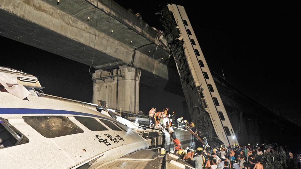 Nehoda čínského vysokorychlostního vlaku
