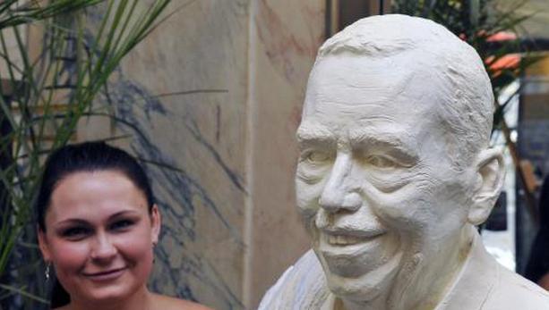 Barbora Daušová / socha Václava Havla