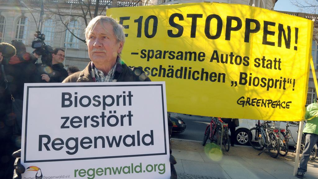 Německý protest proti biobenzinu