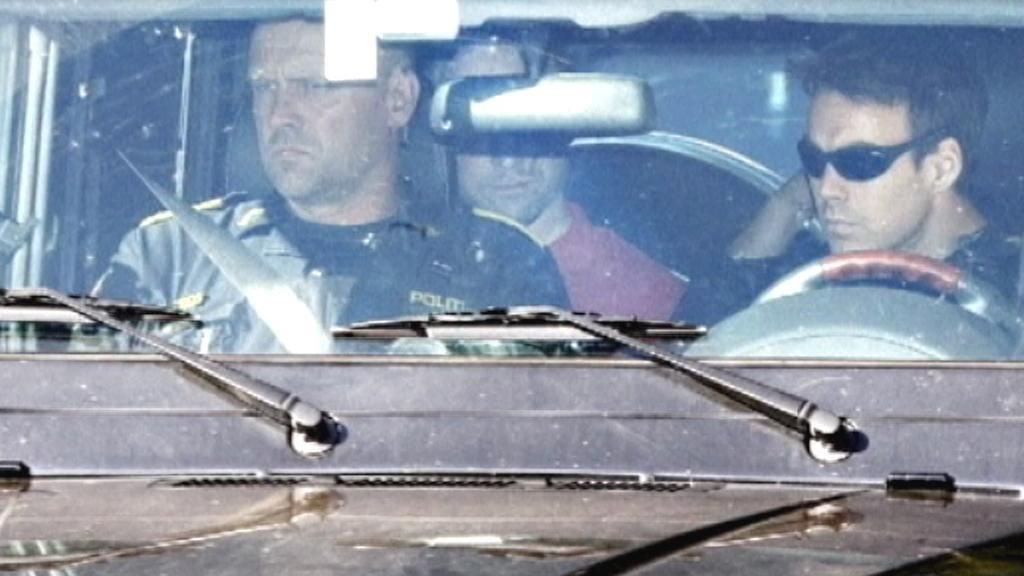 Anders Breivik na cestě k výslechu