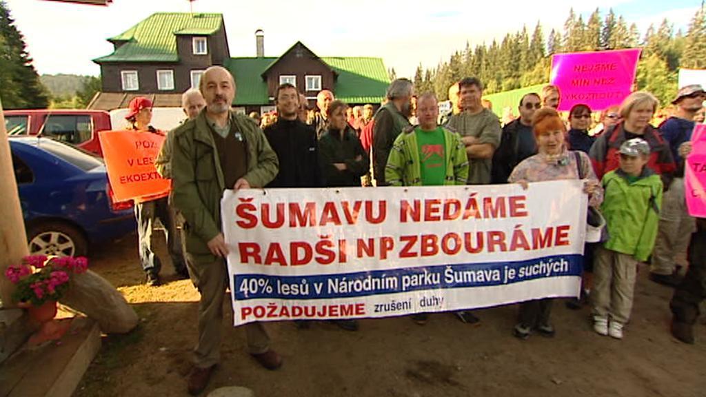 Protest místních proti ekologickým aktivistům