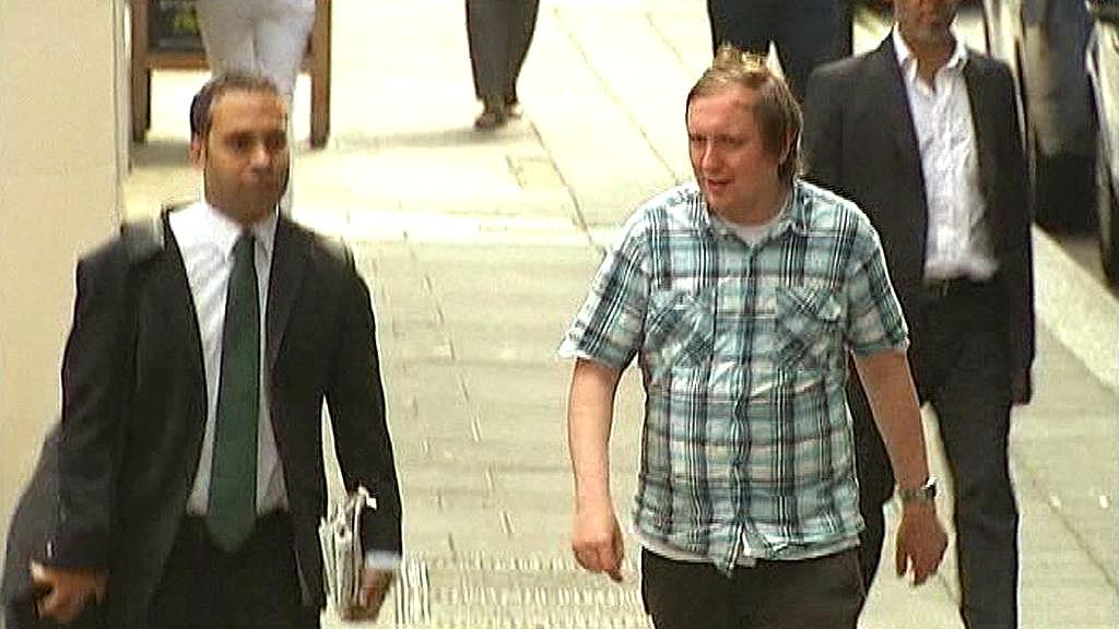 Jonathan May-Bowles (vpravo)