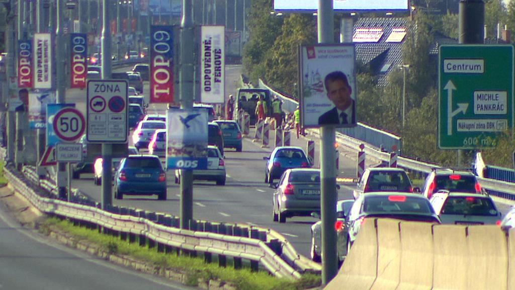 Billboardy u silnic