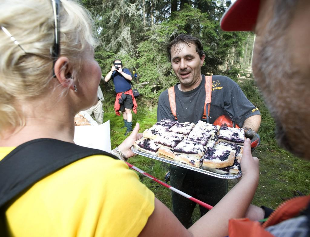 Obyvatelé Šumavy nabízí těžařům koláče