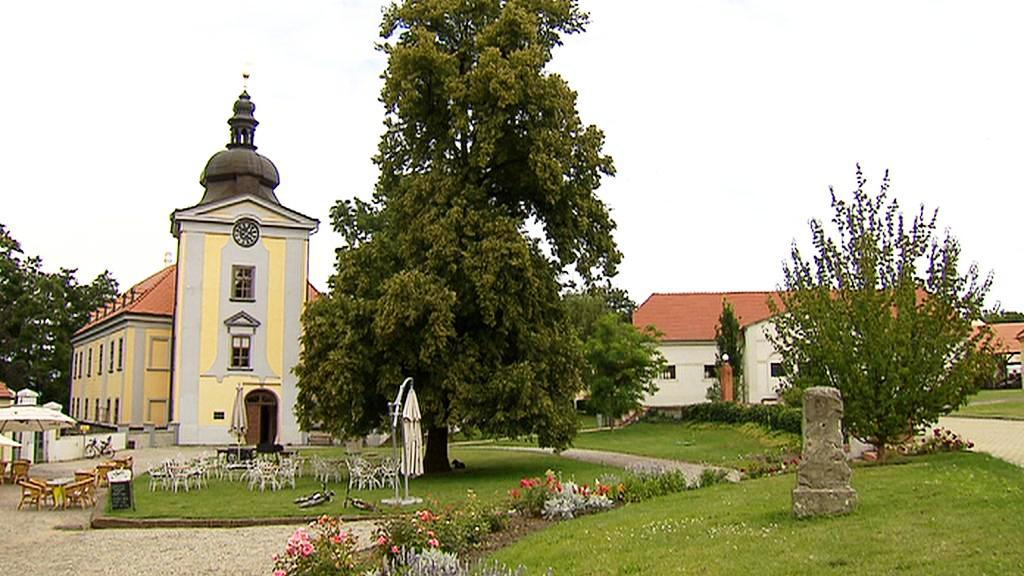 Areál zámku Ctěnice