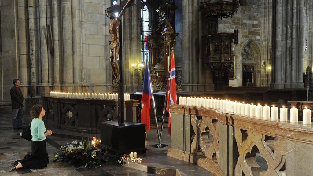 Bohoslužba za oběti teroristických útoků v Norsku