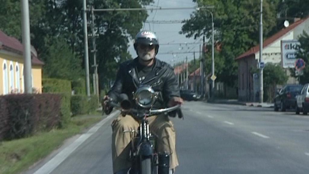 Motocyklista Petr Hošťálek