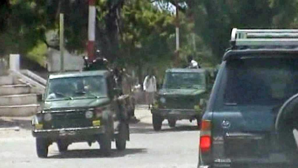 Vojáci v ulicích Mogadiša